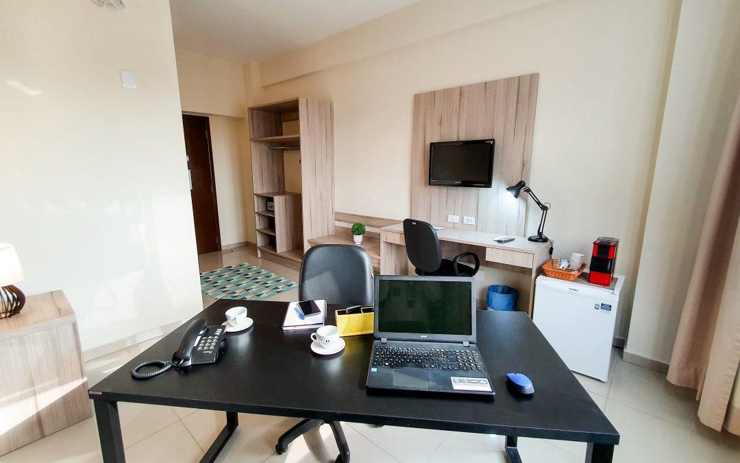 Conheça o Room Office do Hotel Estação 101